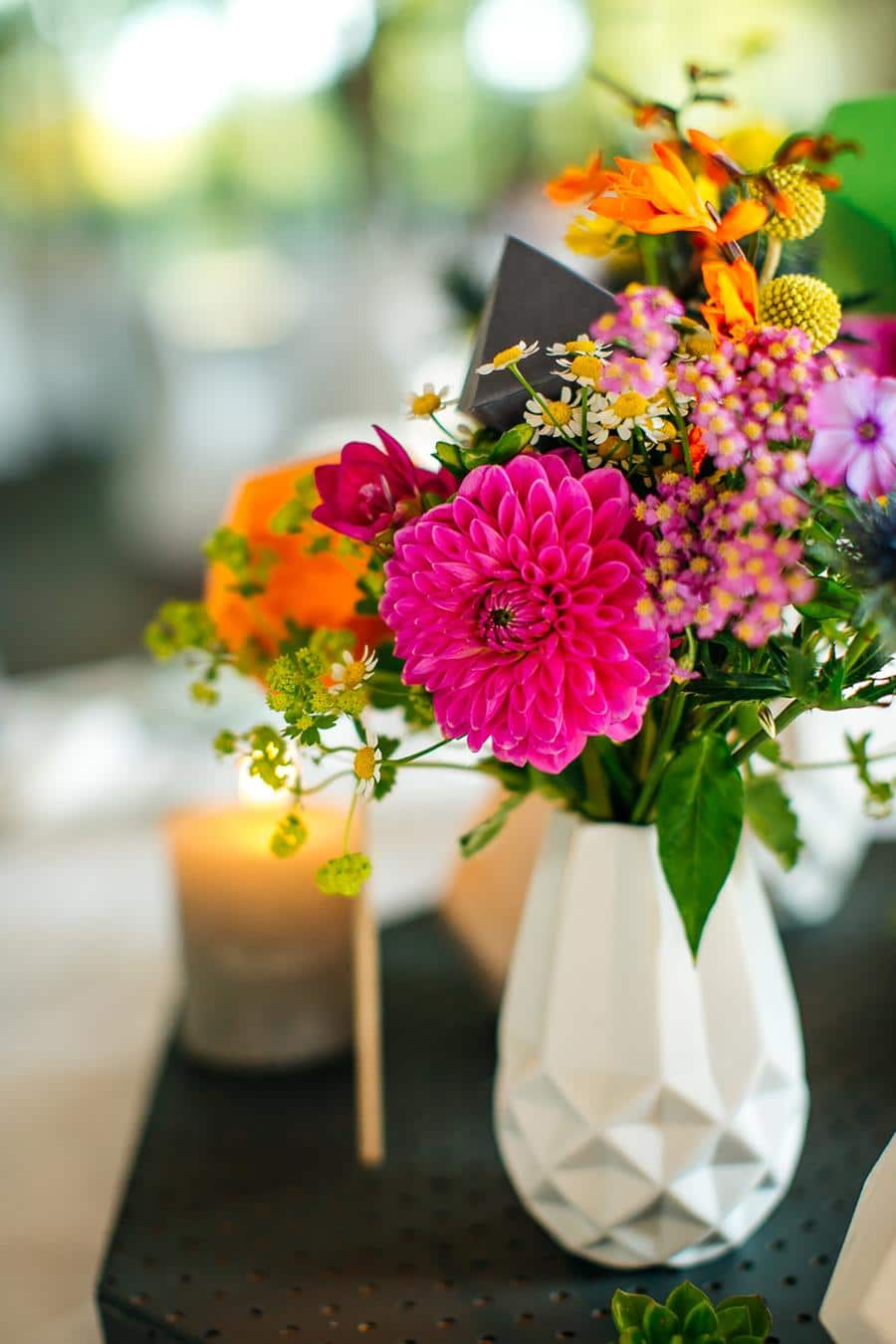 Bunte Moderne Hochzeit Mit Grafischen Elementen