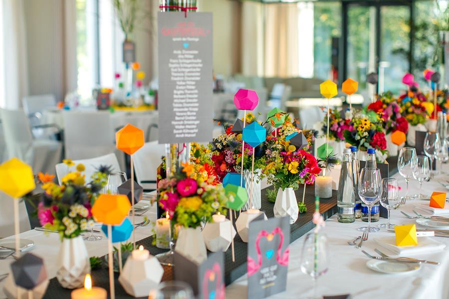 Ideen tischdeko hochzeit fabulous ideen u farben und deko for Moderne tischdeko
