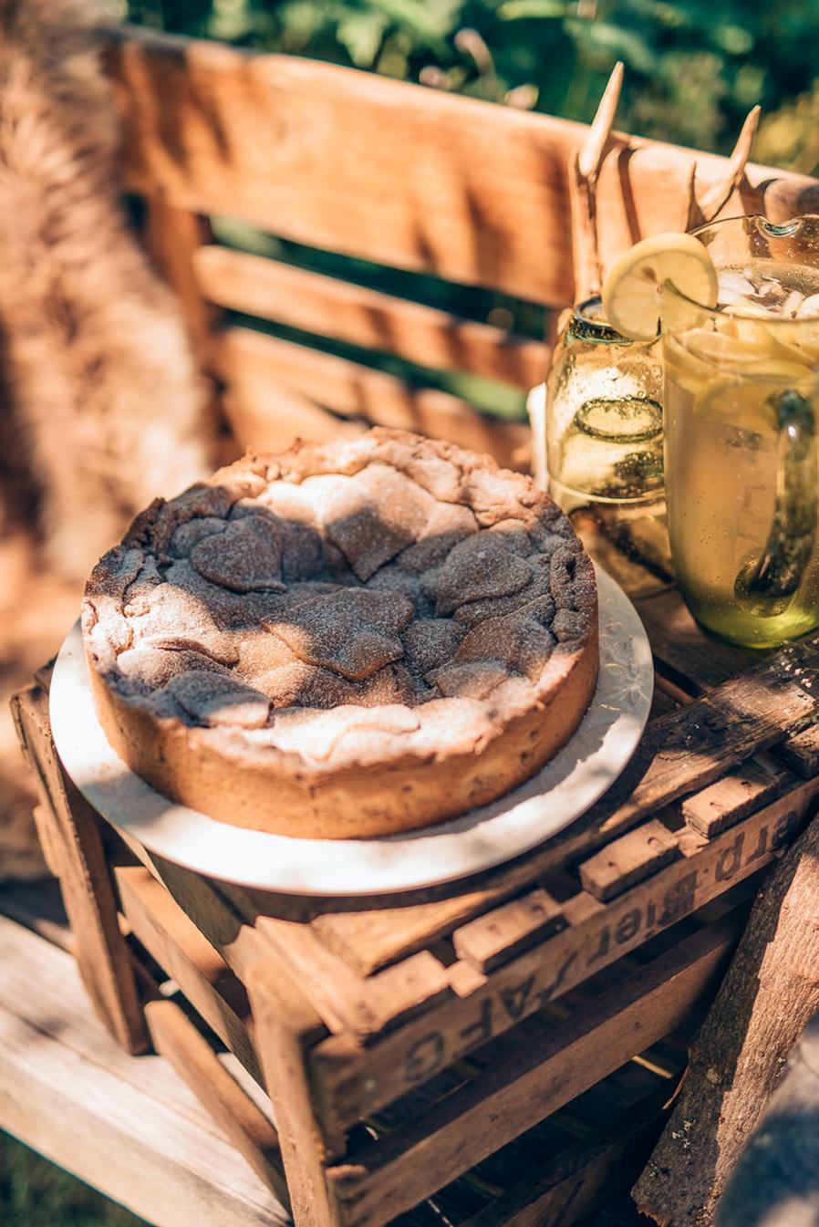 Torten-Inspiration für eine natürliche Trachtenhochzeit