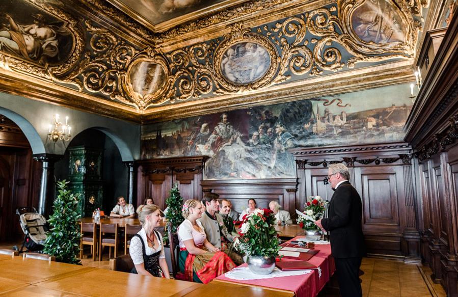 Passau: Standesamt im kleinen Rathaussaal