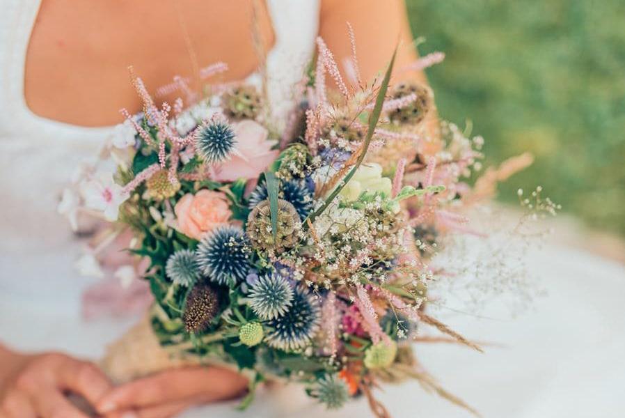 Heiraten in Tracht: Inspirationen für eine Boho-Dirndl-Fusion