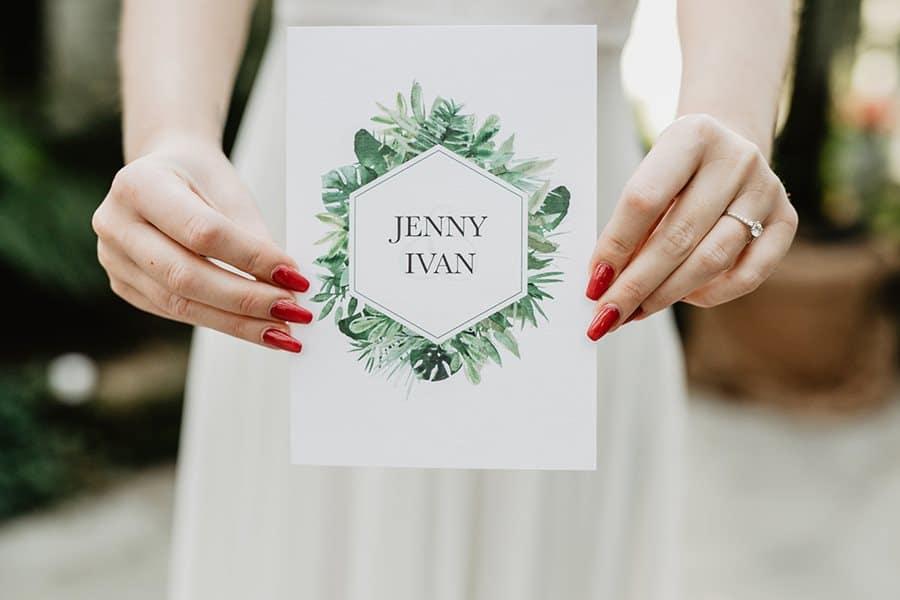 Greenery Hochzeitseinladungen und Dankeskarten von Denise Perrine Design Papeterie