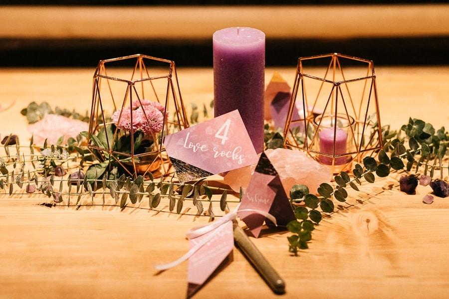Hochzeits-Inspiration mit Pantone-Farben und Kristallen