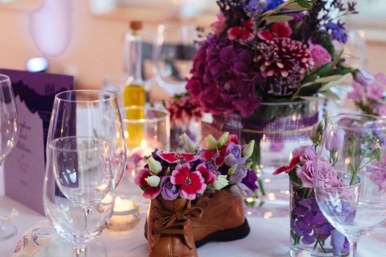 Pantone Farbe des Jahres 2018: Inspiration für eine echte Hochzeit in Ultra Violett.