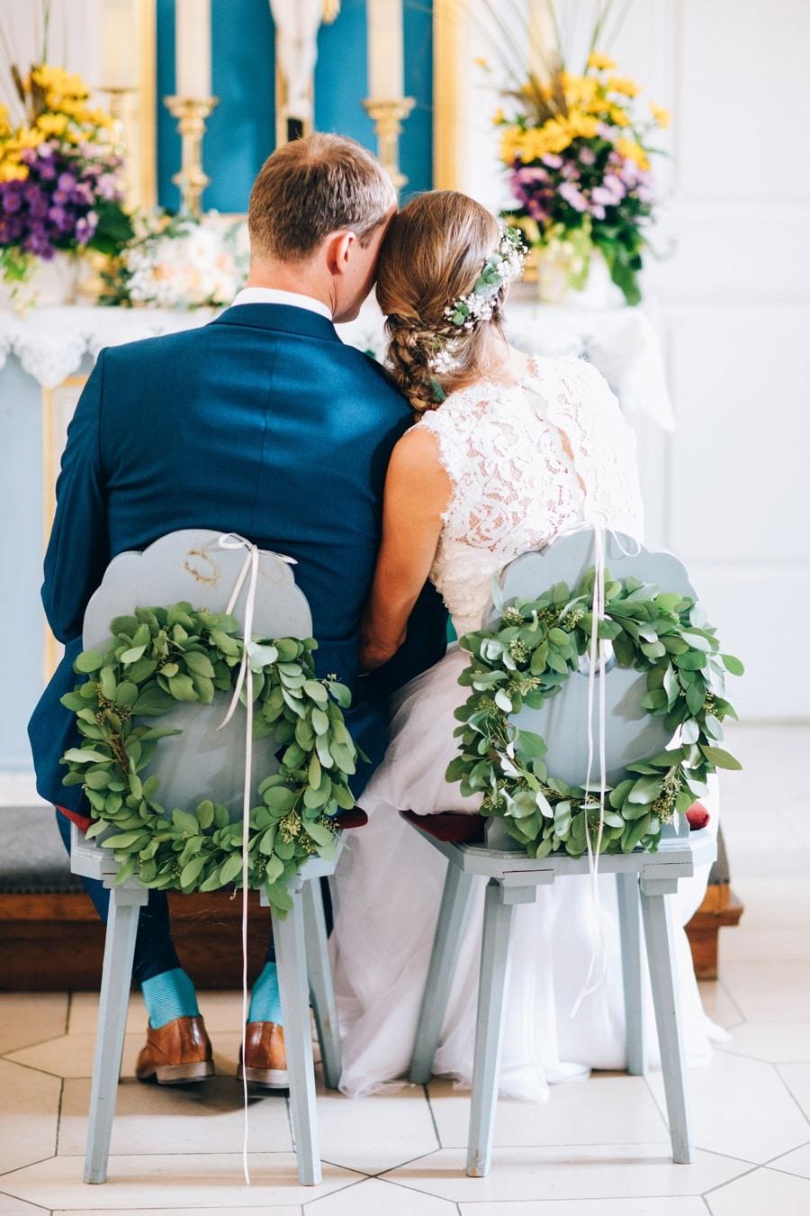 Boho Hochzeit in Weiß und Grün auf Burg Abenberg bei Nürnberg