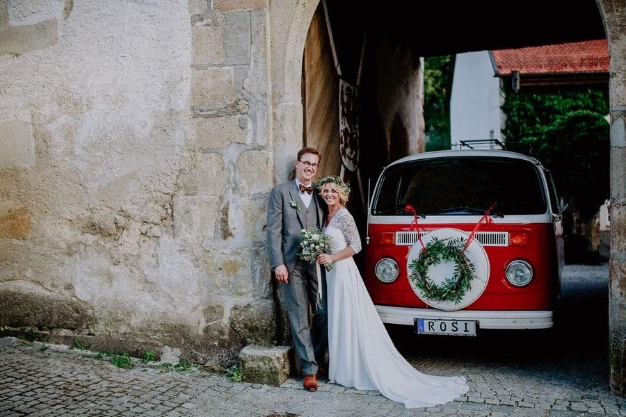 Gästeunterhaltung mit der Photobooth in der Foto Rosi & eine Boho-Hochzeit in Grün und Weiß