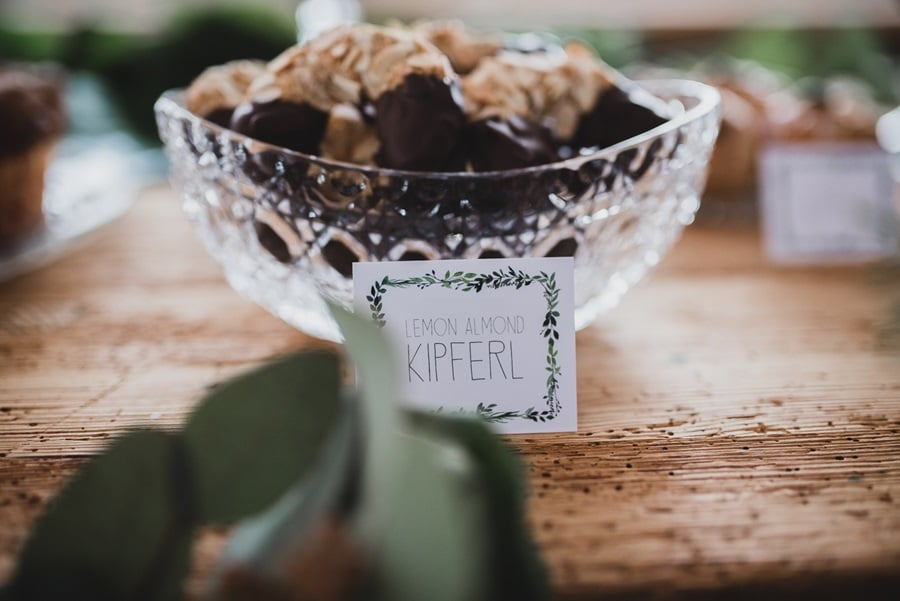 Sweet Table: Ideen für eine elegante Hochzeit in Grün und Gold