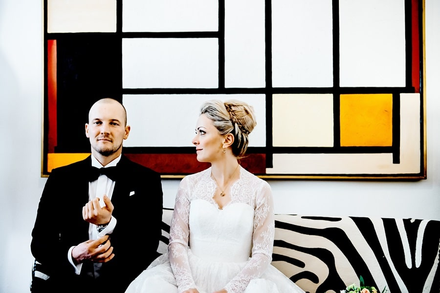 Moderne Hochzeit in München mit Paarshooting am Viktualienmarkt