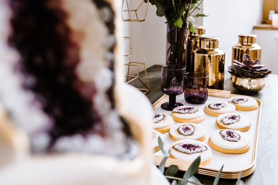 Pantone Farbe 2018 Ultra Violet: Inspirationen für einen Sweet Table mit Blumen