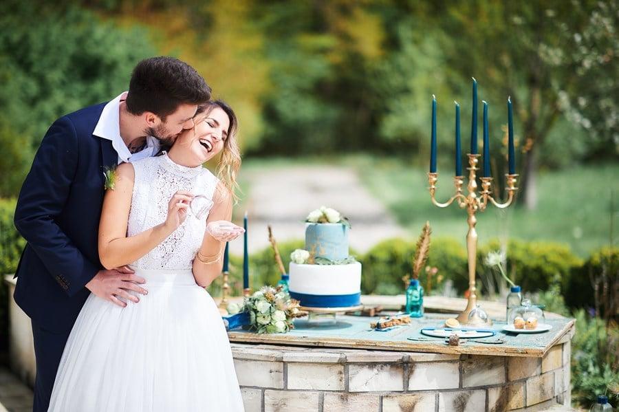 Green Wedding Inspiration: Nachhaltige Öko-Hochzeit in Grün, Petrol-Blau und Gold
