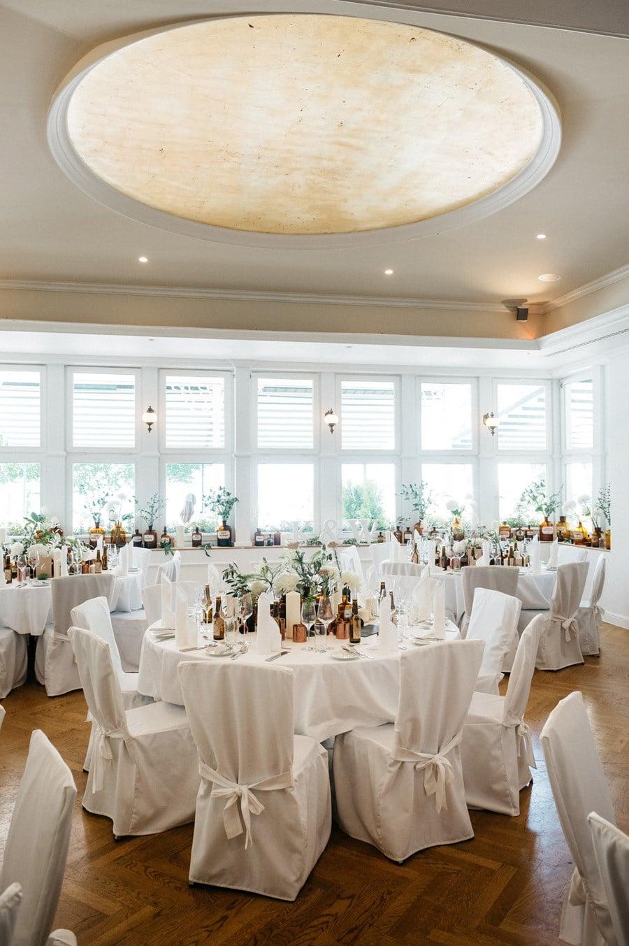 Klassisch Elegante Hochzeit In Weiss Kupfer Und Braun Am Starnberger See