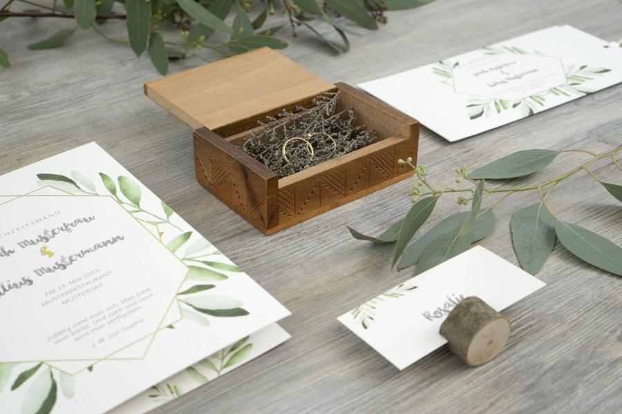 Von Gästebuch bis Sitzplan: Hochzeitspapeterie von sendmoments