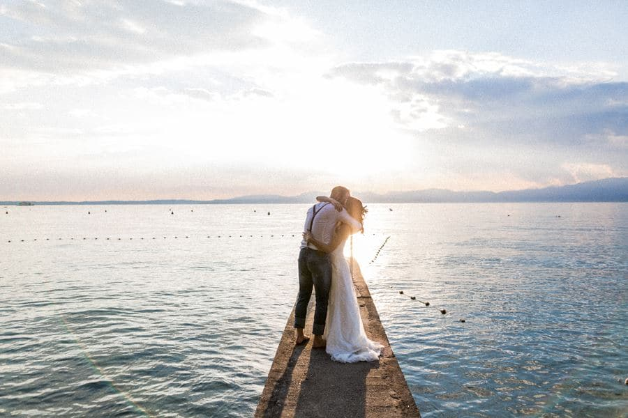 Zum After-Wedding-Shooting im Olivenhain an den Gardasee