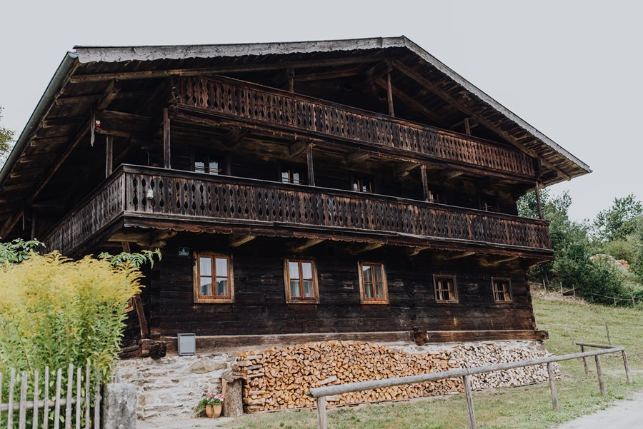 Bayerischer Wald: Historisches Standesamt im Schwarzauer Haus